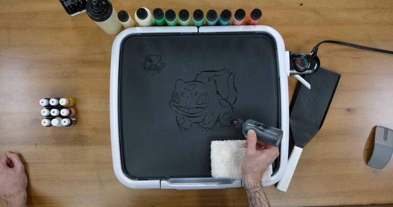 Bulbasaur pancake art step 1.3: Add the markings and other details on Bulbasaur's body.