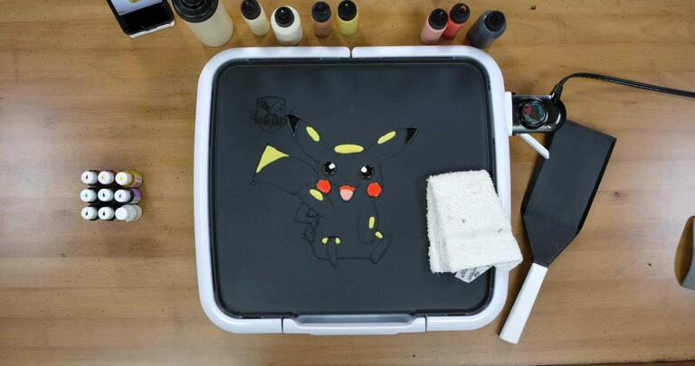 Pikachu Pancake Art step 4.3: ...and voila! Highlights done. They'll look a little like this when you finish this step. These details are subtle, but they make a difference!