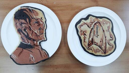 Pancake art of Saru and a communicator badge from the TV show Star Trek Discovery